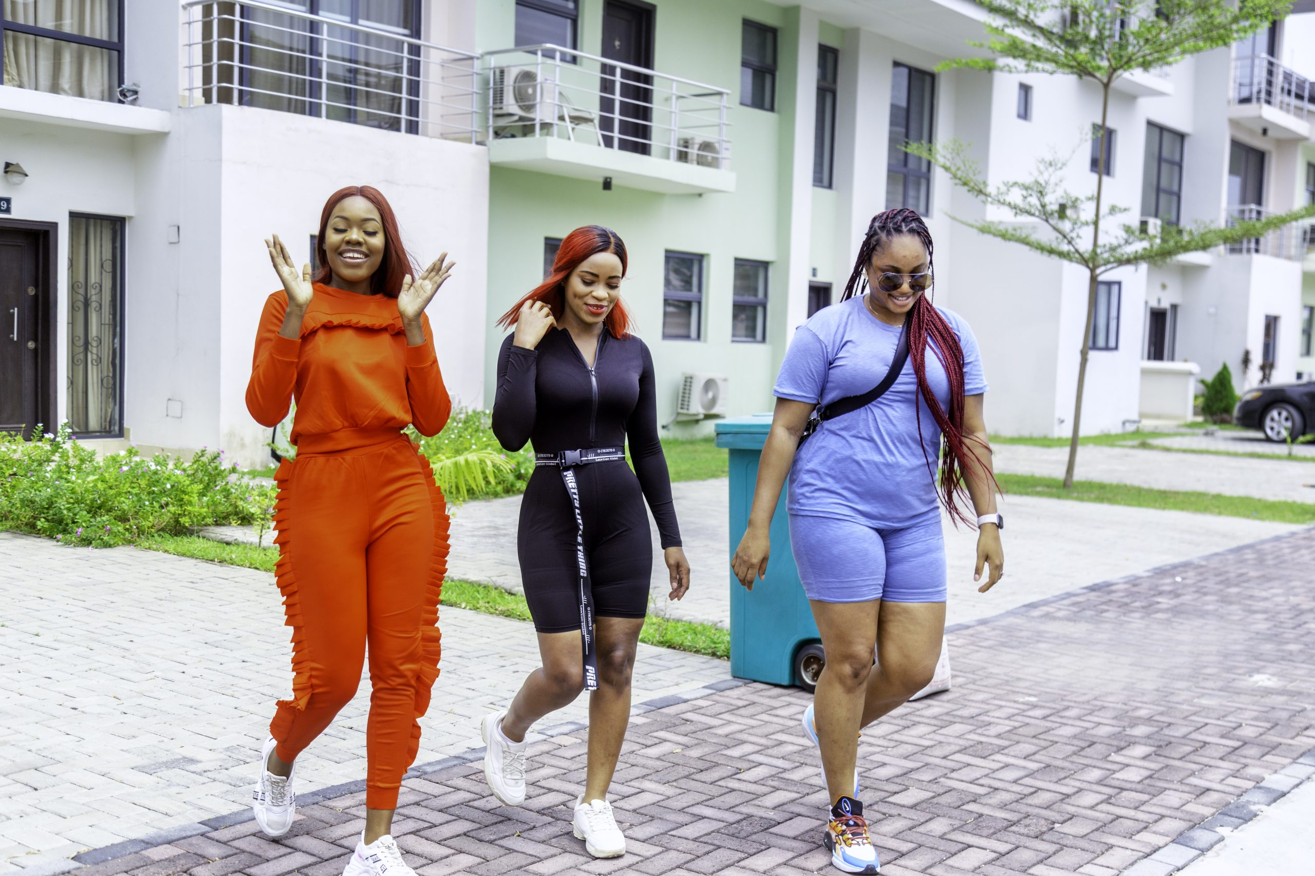Ladies taking a stroll in Lakowe Lakes